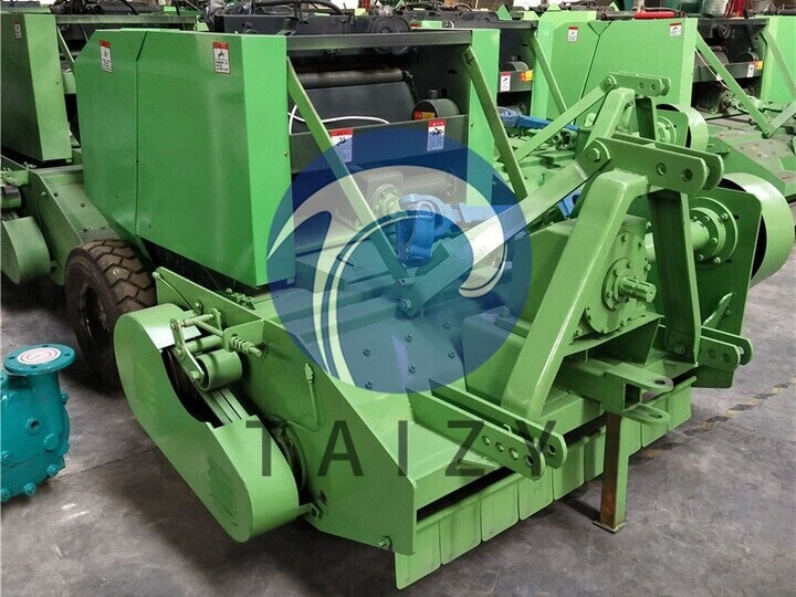 Round-straw-baler-machineproduced-by-our-factory-2