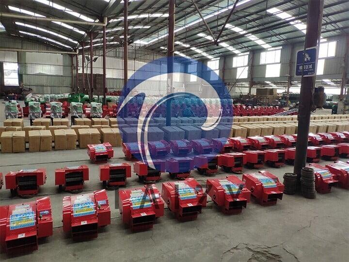 scene-of-producing-machine-of-the-grass-chopper-machine-manufacturer-1